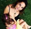 6 yaşındaki kızını hala emziren anne