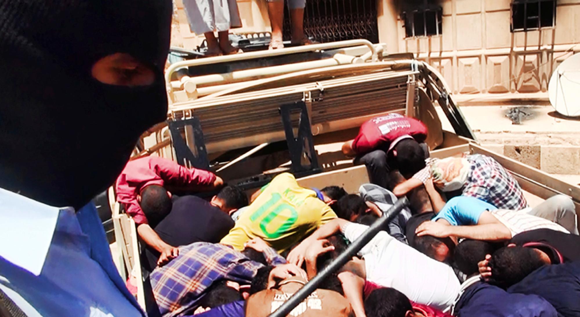 Террористы трахнули заложников 8 фотография