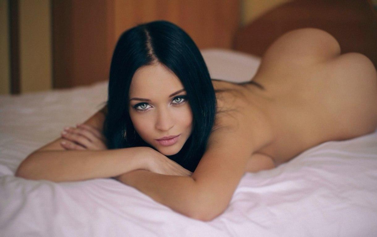 Молоденькие брюнетки порно видео моей жене