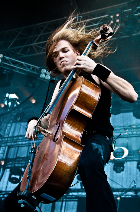 Classify Finnish Cellist Player from the Neoclassical and Symphonic Metal band Apocalyptica.