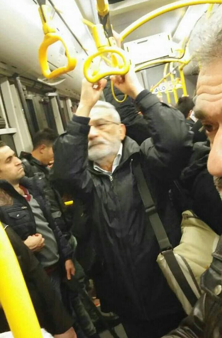 ismet özel otobüste ile ilgili görsel sonucu