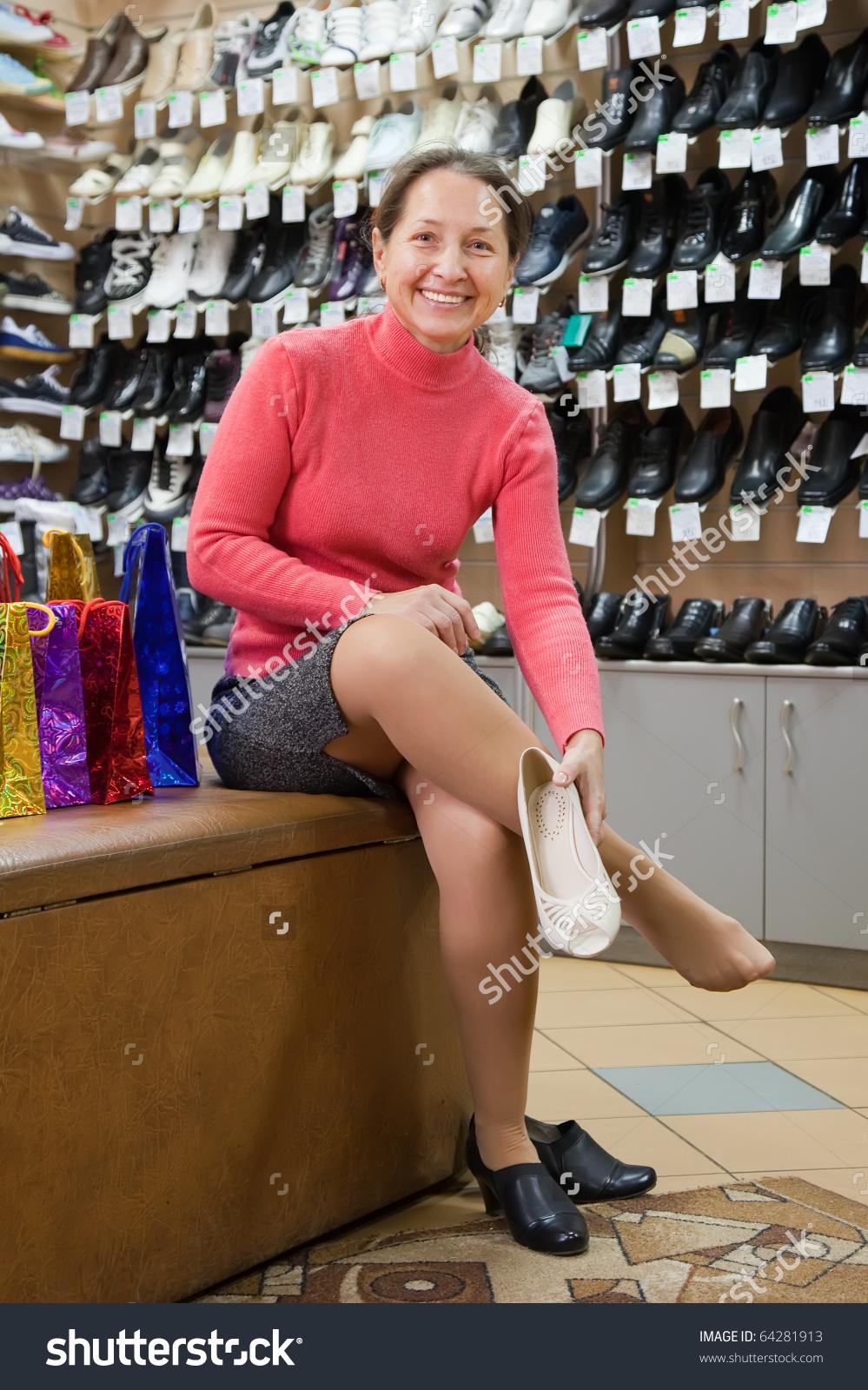 трусики при примерки обуви